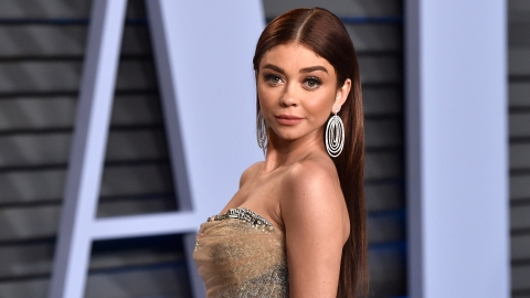 Sarah Hyland Had the Best Response to Her Wardrobe Malfunction on Vacation | StyleCaster