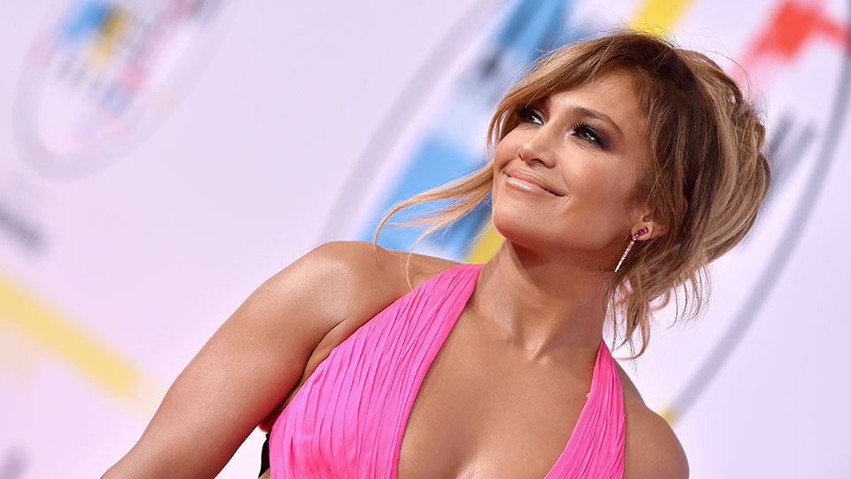 Jennifer Lopez Reminds Us of an Early-2000s Way to Wear a Thong