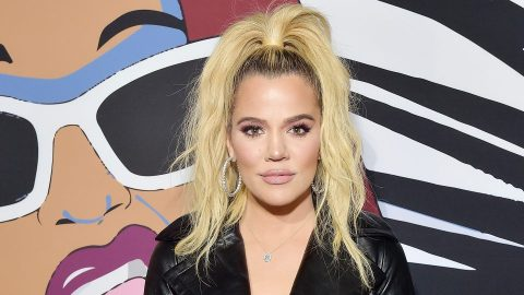 Khloé Kardashian Mom-Shamed for Not Supporting True's Back | StyleCaster
