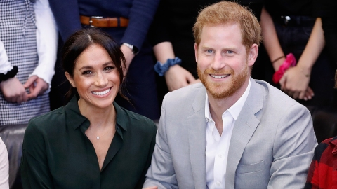 Why Fans Think Meghan Markle & Prince Harry Are Having Twins | StyleCaster