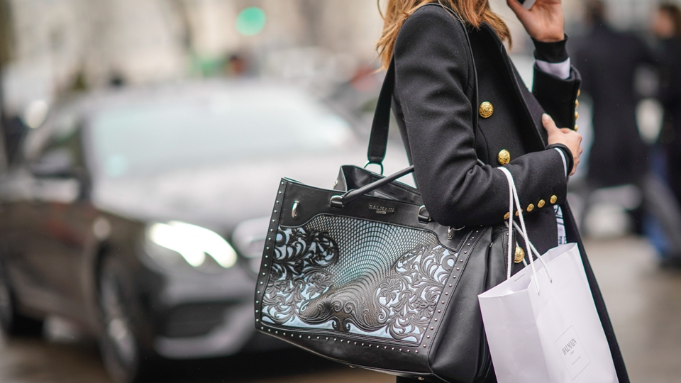 Why Do We Shop When We're Stressed? | StyleCaster