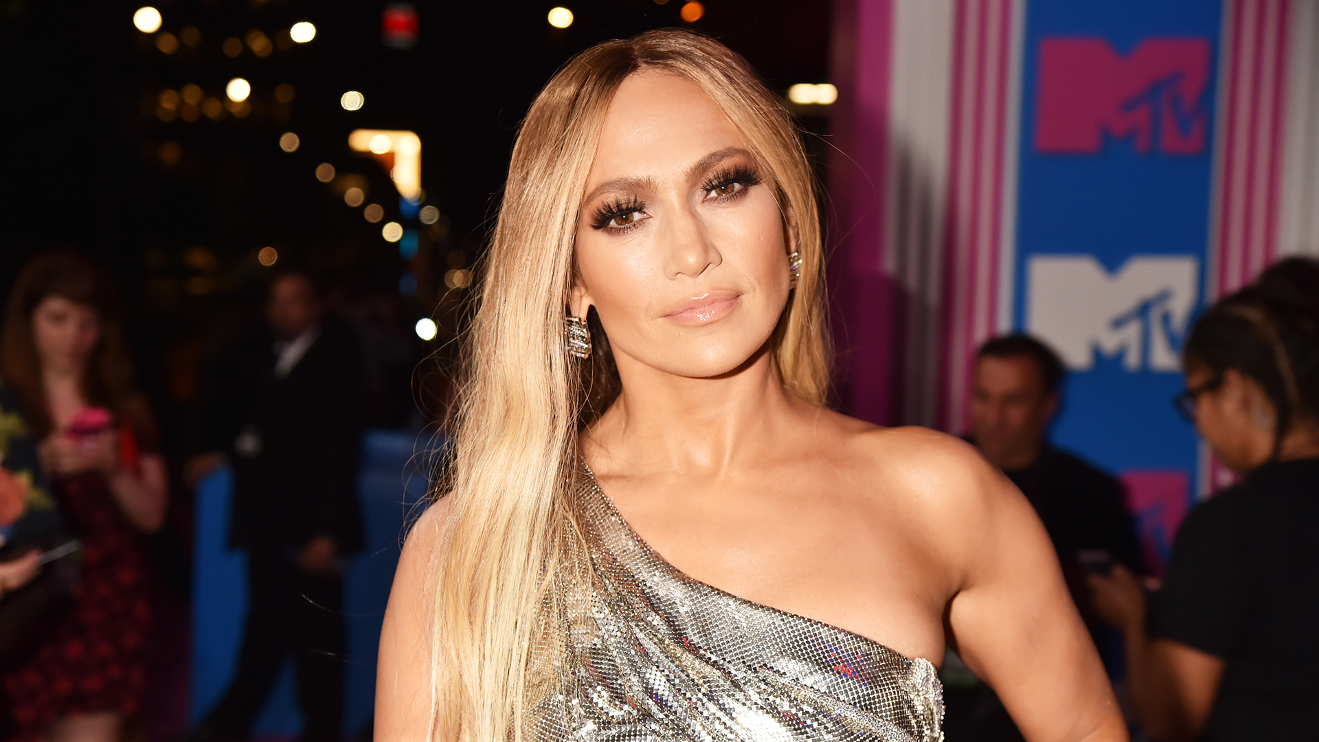 A Jennifer Lopez Skin-Care Line Is Coming, Because Dreams Really Do Come True