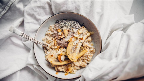 13 Ways to Turn Oatmeal Into a Luxurious Breakfast Treat | StyleCaster