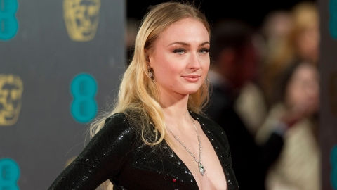 Did Sophie Turner Just Reveal a Huge 'Game of Thrones' Spoiler with This Photo? | StyleCaster
