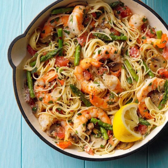 STYLECASTER | 17 Fancy Date Night Dinners That Are Actually Super Easy | Asparagus With Shrimp and Angel Hair