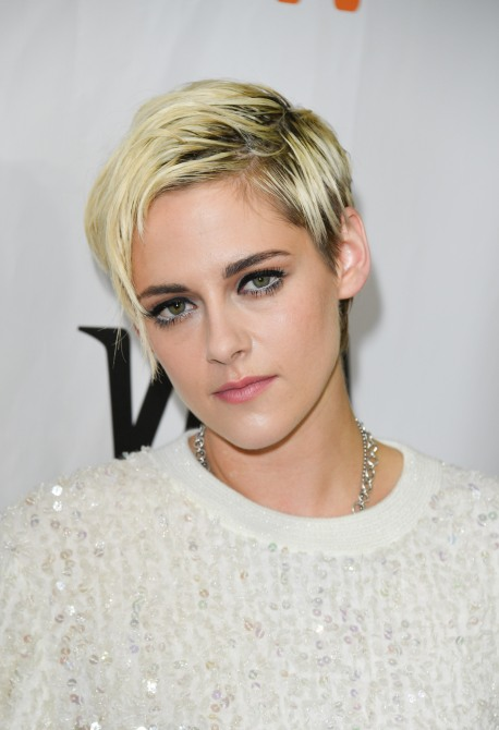 gettyimages 1034145474 Of Course Kristen Stewarts Monochrome Fashion Beauty Hybrid is Flawless