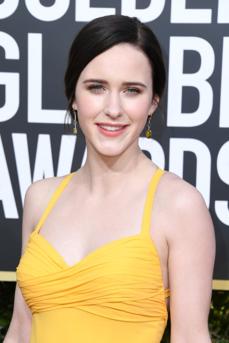 gettyimages 1078333840 Rachel Brosnahan Sports 2019s Yellow Color Trend on the Golden Globes Red Carpet