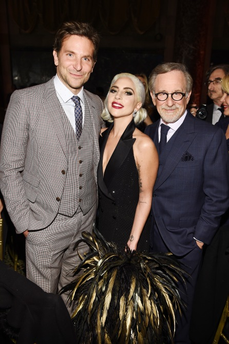 gettyimages 1079455212 Lady Gagas Feather Clutch Is Bigger Than My Head