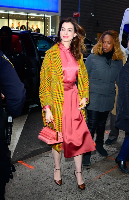 gettyimages 1087036034 Anne Hathaway Actually Has the Cutest Winter Wardrobe We've Ever Seen