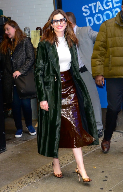 gettyimages 1087036088 Anne Hathaway Actually Has the Cutest Winter Wardrobe We've Ever Seen