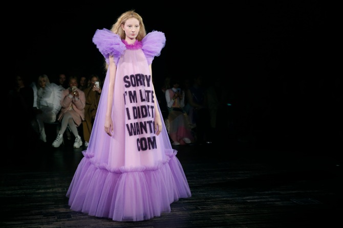 gettyimages 1098421138 Viktor & Rolf's Paris Couture Show Was Basically Just a Bunch of Memes