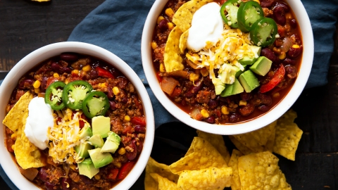 17 Slow-Cooker Super Bowl Chili Recipes to Get You Through The Big Game   StyleCaster