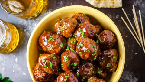 29 Super Bowl Snacks You Can Make In A Slow-Cooker | StyleCaster
