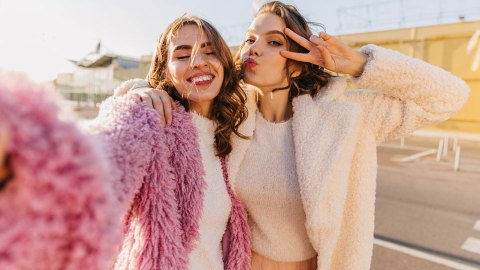 Thoughtful Galentine's Day Gifts That Are Actually Cute Enough To Buy Your Friends | StyleCaster