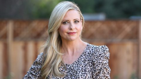 Sarah Michelle Gellar Stars In Olay's Super Bowl Commercial & It's Scary Good | StyleCaster
