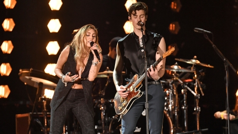 Miley Cyrus & Shawn Mendes's Surprise Grammys Duet Was Everything   StyleCaster