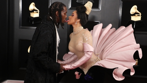 Cardi B Walked the Grammys Red Carpet with Offset & Fans Aren't Happy   StyleCaster