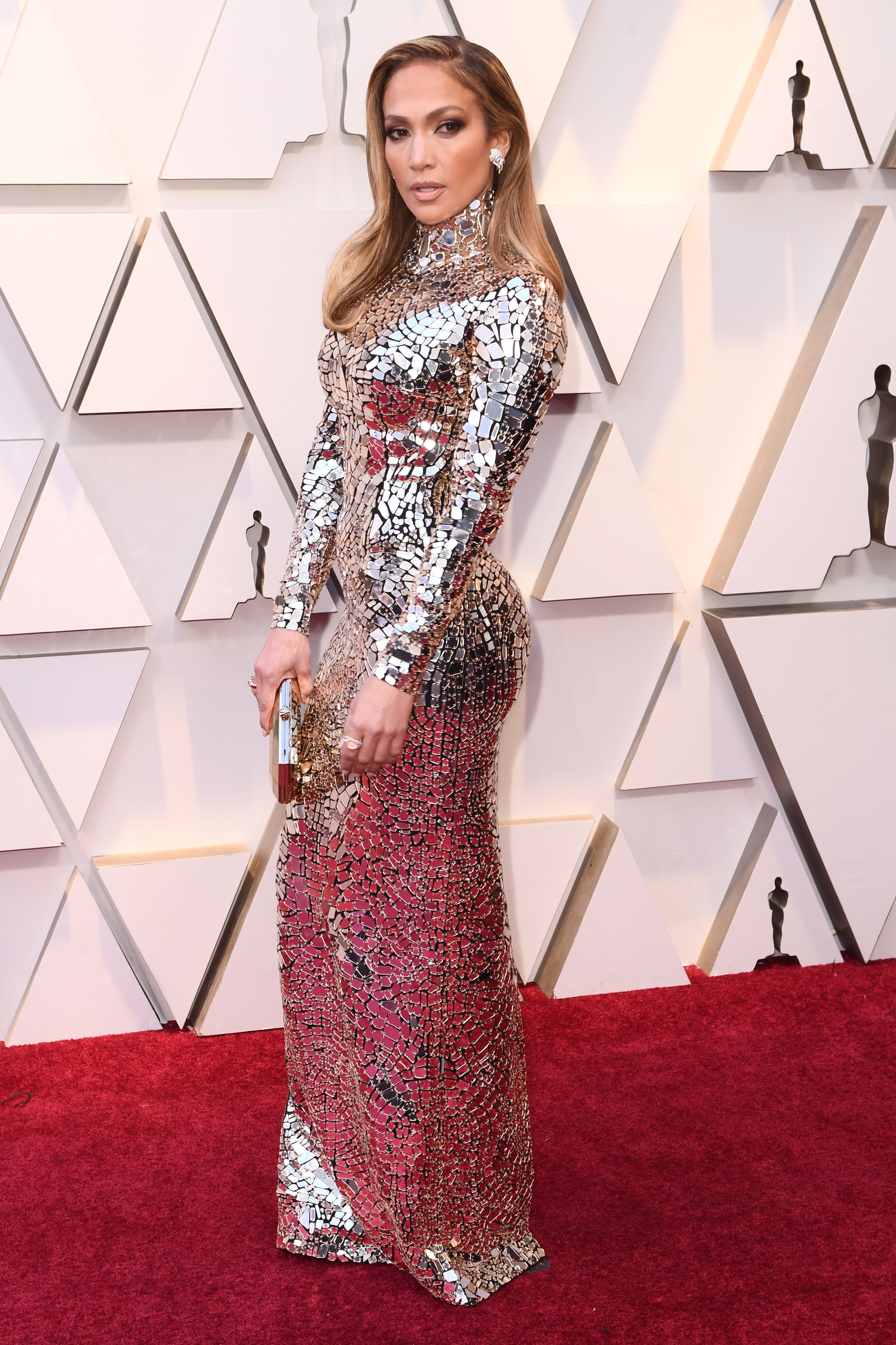 shutterstock 10112734hc Jennifer Lopez Looked Like a Walking Disco Ball at the Oscars—and Yes, It Was Hot