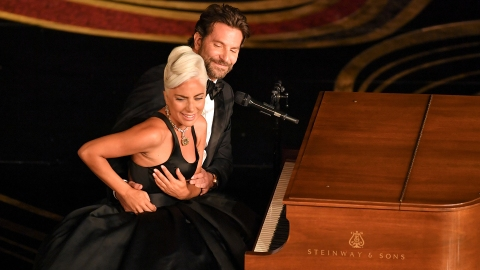Lady Gaga & Bradley Cooper Made the Internet Pregnant with Their Oscars Performance | StyleCaster