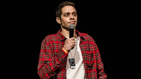 Pete Davidson Thinks 'Women In Entertainment Use Gay Men As Props' & Twitter Has Thoughts | StyleCaster