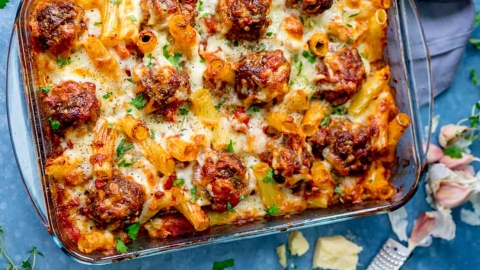 17 Easy Baked Pasta Recipes That Are Cozy AF | StyleCaster