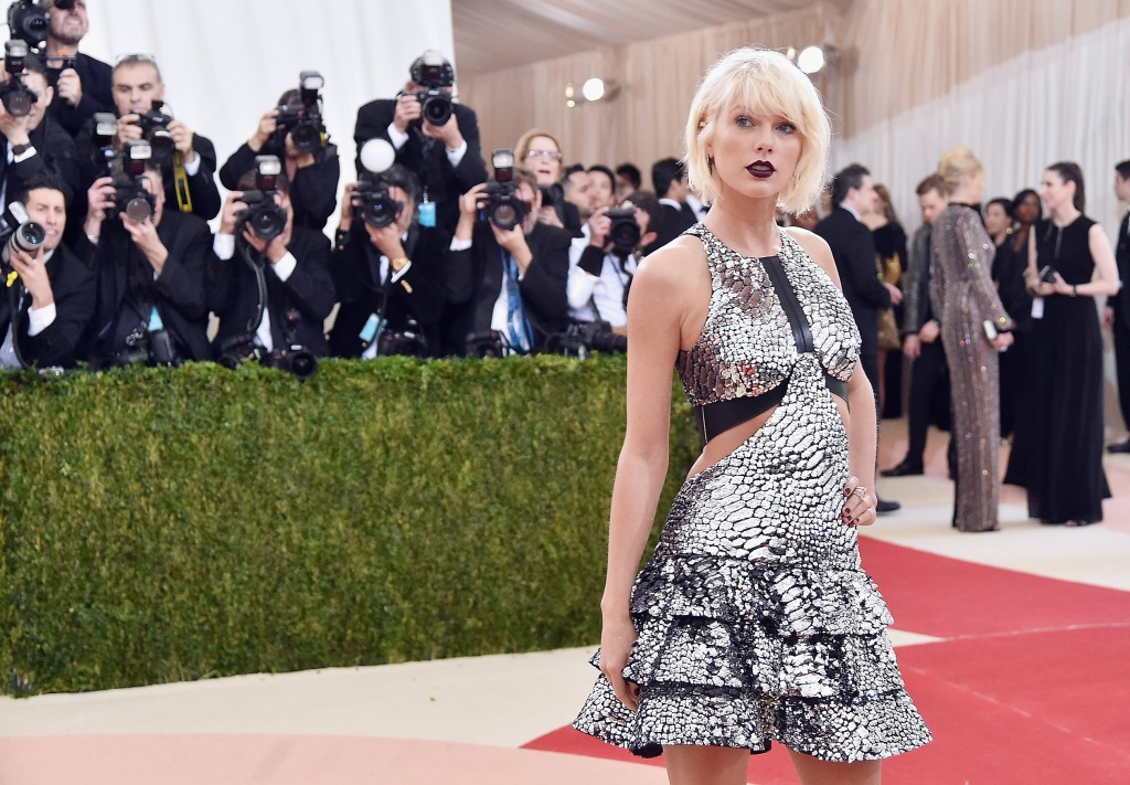 taylor swift met gala 2016 Why Taylor Swift Probably Wont Be at the Grammys This Weekend