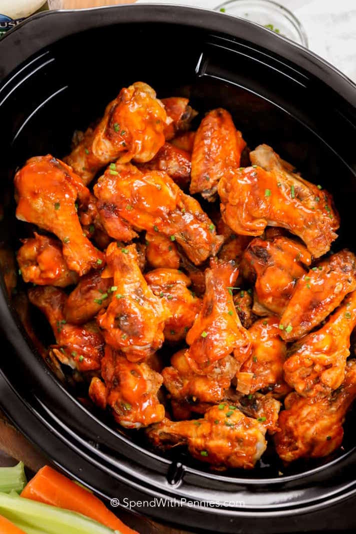 STYLECASTER | 17 Slow-Cooker Recipes to Whip Up During March Madness | Buffalo Wings