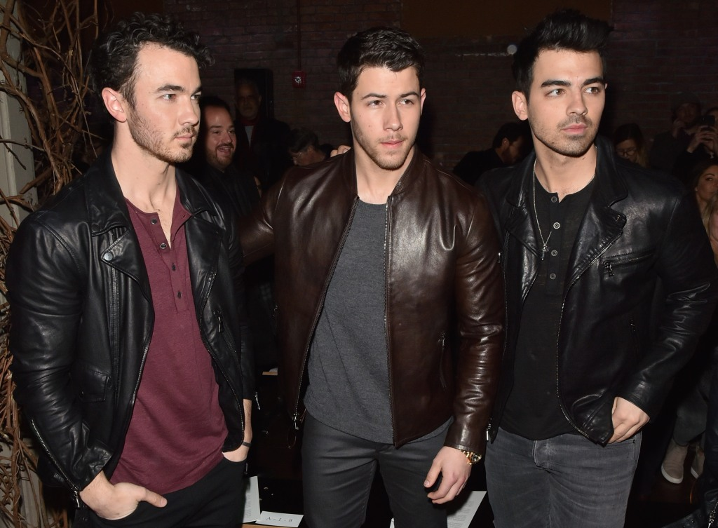 jonas brotherrs The Jonas Brothers Might Go on Tour with Demi Lovato & Its 2008 All Over Again