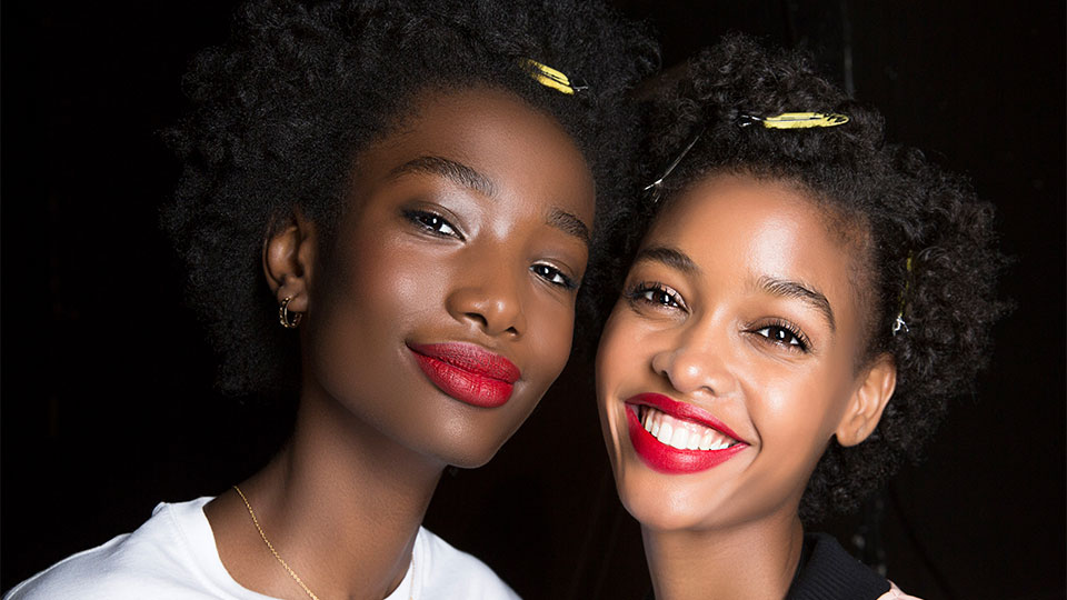 These Leave-In Products Are Basically a Tall Glass of Water for Dry Natural Hair