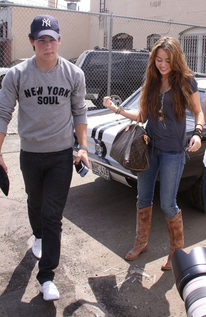 miley cyrus nick jonas Nick Jonas Gave Miley Cyrus the Sweetest Compliment & Were Crying