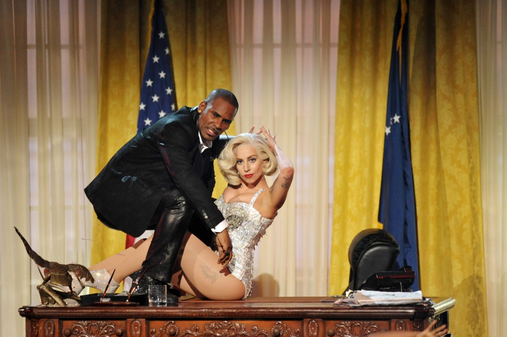 r kelly ama lady gaga R. Kelly Called Lady Gaga Not Professional for Removing Their Duet Amid Sexual Abuse Controversy
