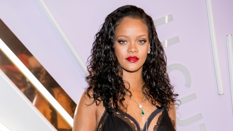 Rihanna Went Day Drinking & She Let Seth Meyers Go With Her | StyleCaster