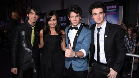 The Jonas Brothers Might Go on Tour with Demi Lovato & It's the 2008 All Over Again | StyleCaster