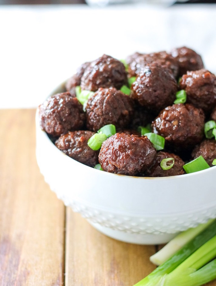 STYLECASTER | 17 Slow-Cooker Recipes to Whip Up During March Madness | Korean Meatballs