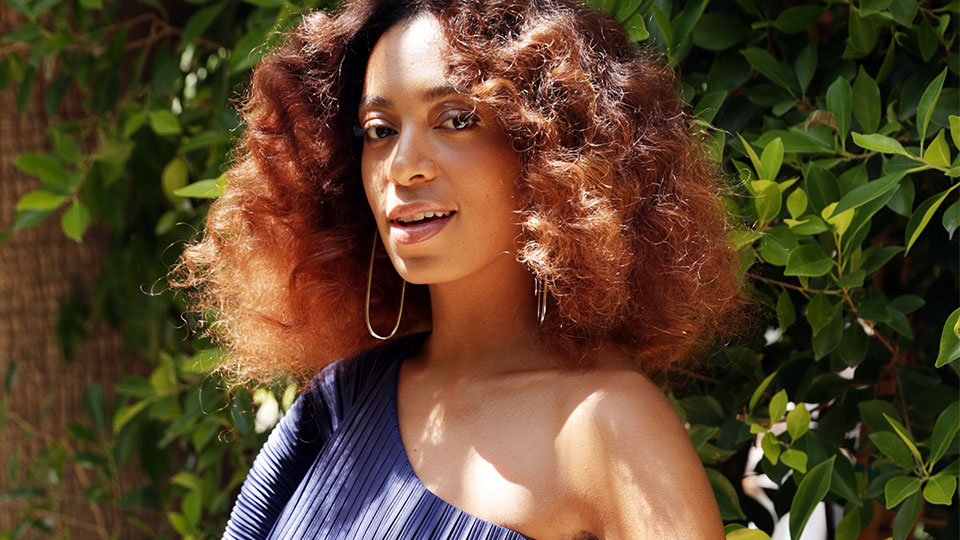 I Asked Solange's Hairstylist a Basic, But Important Question About Brushes