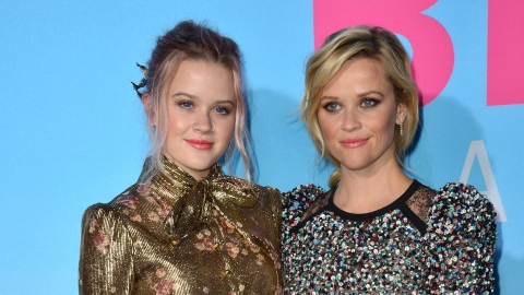 Reese Witherspoon's Daughter Got Rainbow Hair and Now I Want Rainbow Hair   StyleCaster