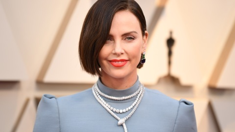 Of Course Charlize Theron Is Pulling Off This Bowl Cut | StyleCaster