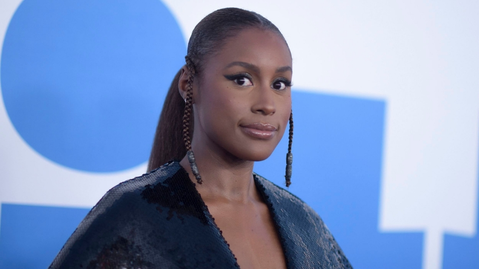 Issa Rae Wore Walmart Eyeshadow Palettes on the Red Carpet and Looked Bomb