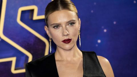 Scarlett Johansson's Asymmetrical Ensemble Is Unique from Every Angle | StyleCaster