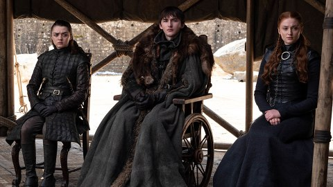 'Game of Thrones' Fans Are Livid at Who Won the Iron Throne | StyleCaster