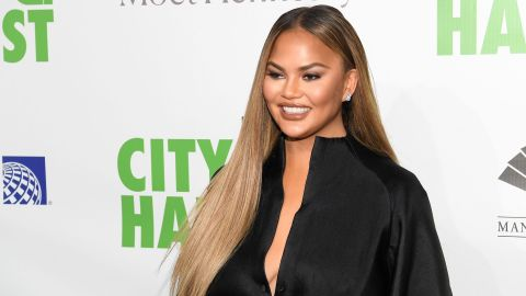 Chrissy Teigen's Reaction To Trump's 'Filthy-Mouthed Wife' Tweet Was Shocking | StyleCaster