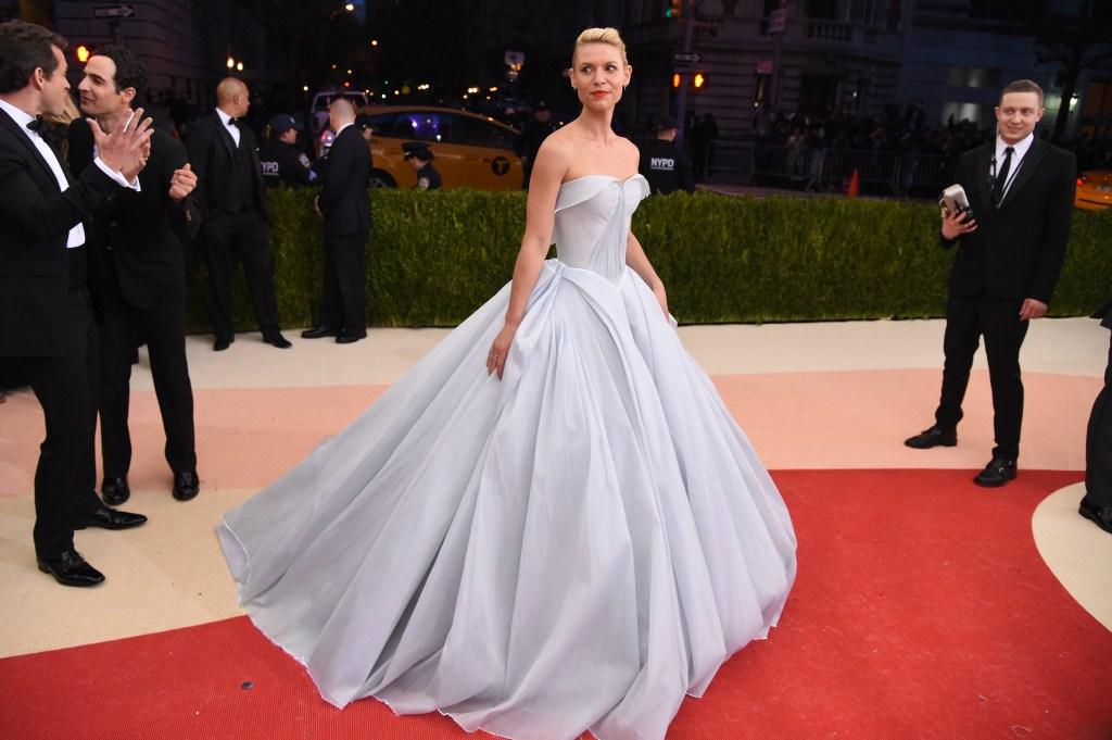 claire danes ballgown met gala 2019 Heres Why Lindsay Lohan Just Trolled Zendayas Met Gala Look