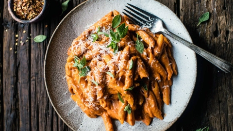 Slow-Cooker Pastas Are the Easiest Way to Indulge in a Lazy, Decadent Meal This Summer | StyleCaster
