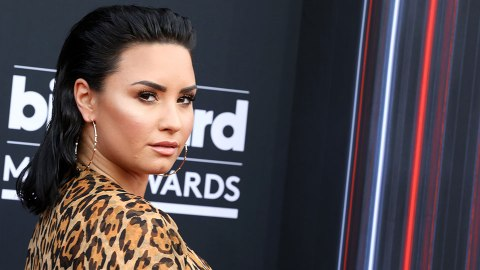 ICYMI—Demi Lovato Just Chopped Her Hair and Dyed It Green | StyleCaster