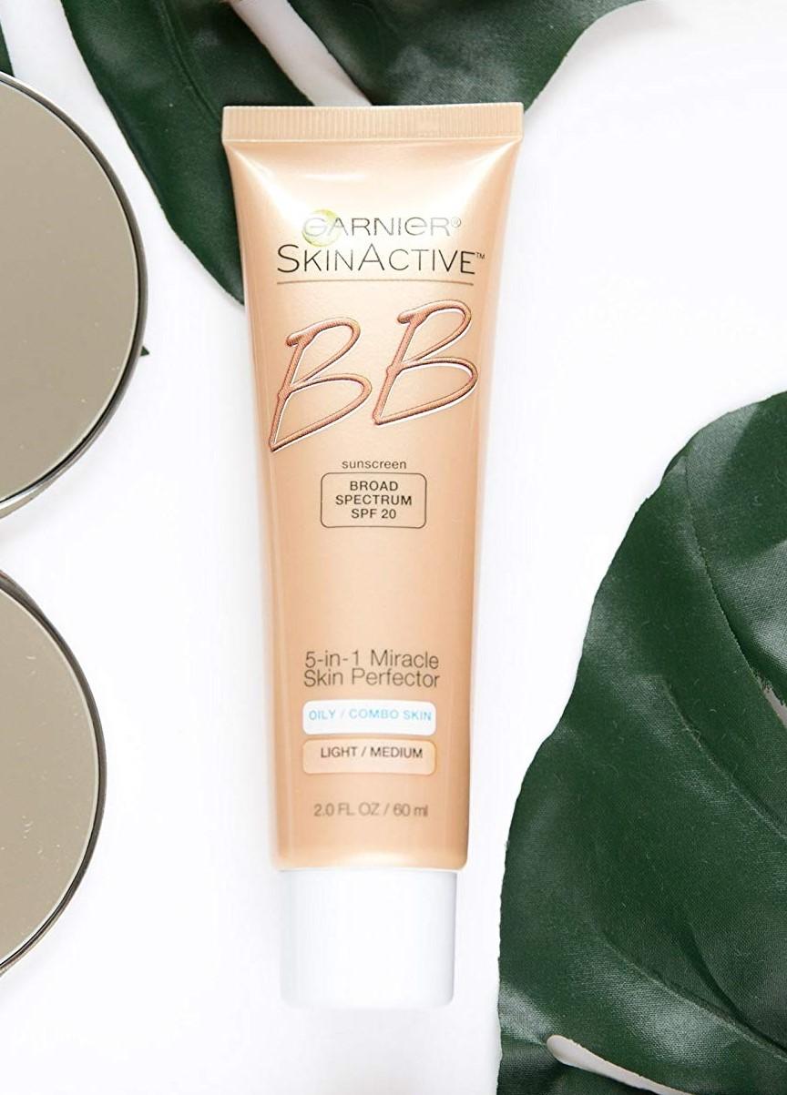 Le migliori creme BB e CC in farmacia per la pelle incline all'acne    STYLECASTER
