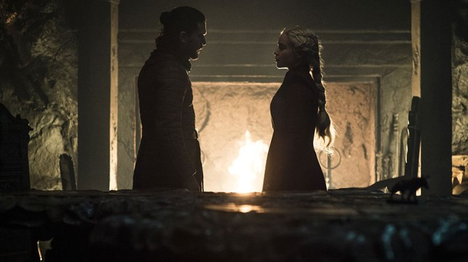 kit harington emilia clarke Plot Twist! Daenerys Might Be Pregnant In the Game Of Thrones Series Finale