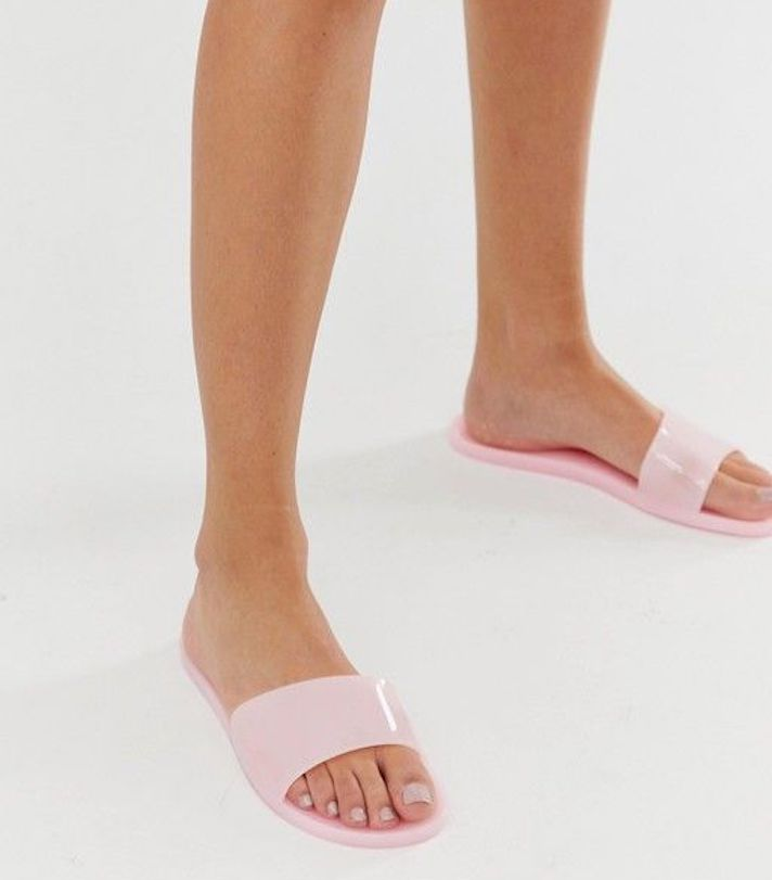 Cute Wide-Fit Summer Slides to Shop