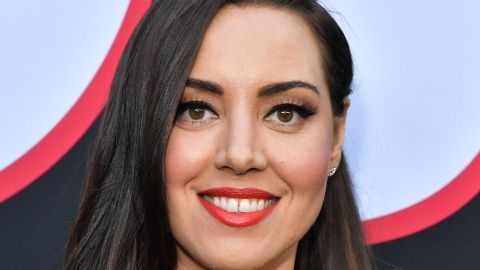 "Aubrey Plaza's Hair Barrette at the ""Child's Play"" Premiere is Scary Good 