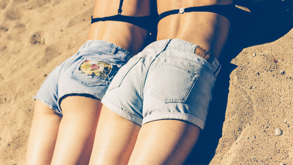 It's Summer & Butt Acne is Real–Here's How to Treat It