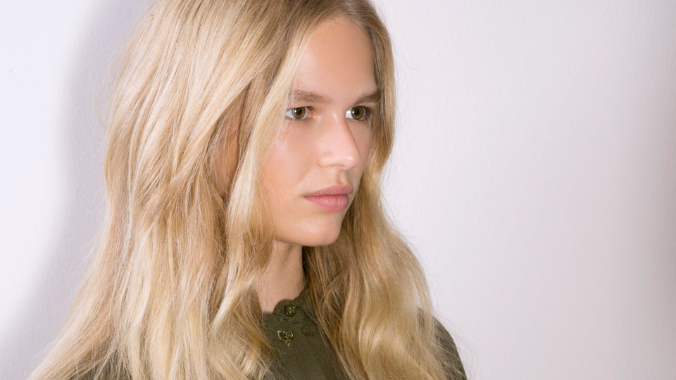 A Look at Violet and Purple Shampoos to Protect Your Blonde Hair Color
